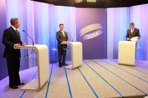 DebateTVCB 10 300x200 - CÁSSIO VENCE O DEBATE MAS PECOU AO INSINUAR QUE O GOVERNADOR É UM BATEDOR DE CARTEIRA E LADRÃO