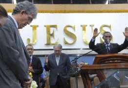 POLÍTICA E FÉ: Pastores evangélicos oram por Ricardo e pedem a Deus que proteja a vida do governador
