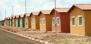 """minha casa minha vida 300x146 - MPF obriga município de Sousa a apresentar transparência no programa """"Minha casa, minha vida"""""""