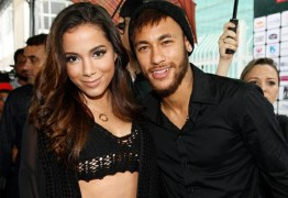 Neymar inaugura seu instituto no litoral de São Paulo