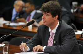 ruy carneiro1 300x196 - Ruy Carneiro diz que situação de Dilma é insustentável