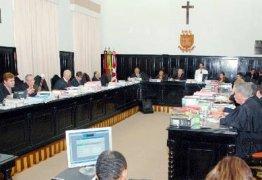 Pleno do TJ-PB aprova votos de aplausos ao senador Vital do Rêgo e ao empresário Raimundo Lira