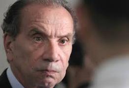 Senadores do PSDB descartam impeachment