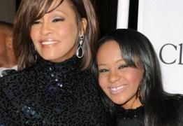 MORTE PROGRAMADA: Filha de Whitney Houston terá aparelhos desligados nesta quarta para morrer no mesmo dia da mãe