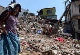 Milhares de nepaleses fogem da capital com medo de tremores