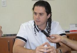 Veneziano diz que Gervásio deve assumir diretório do PMDB: 'aonde houver homens de palavra, não é necessário assinar acordos'