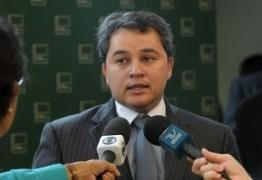 Deputado paraibano em Londres a serviço da CPI da Petrobras: Em busca de provas