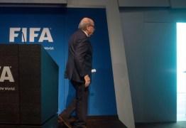 DERROTA DA CORRUPÇÃO: Blatter renuncia e Fifa terá nova eleição
