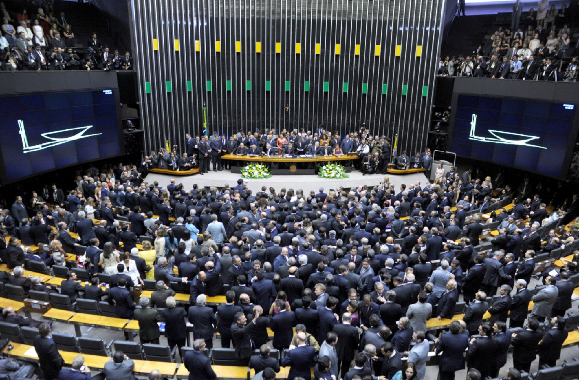 Parlamentares Mudam Projeto Do Governo Para Anistiar Quem Mant M Dinheiro Ilegal No Exterior