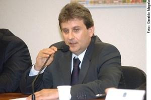 imagem34786 586x422 300x200 - QUEM SERÁ ? Youssef diz sofrer intimidação de 'pau mandado de Cunha' em CPI da Petrobras