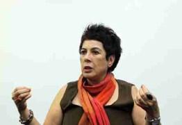 Filha de estudiosa do Bolsa Família sofre ataque de vizinho antipetista