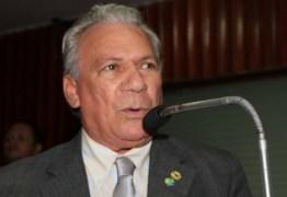 Trocolli Jr e Zé Aldemir trocam xingamentos e agressões físicas na Assembléia