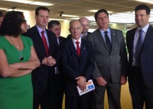 carta governistas 300x214 - Governistas de seis siglas divulgam carta de apoio ao mandato de Dilma