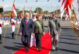 Dilma tira poderes de comandantes militares