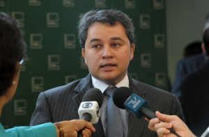 ef1 300x197 - Efraim Filho participa de Seminário da ONU no Panamá