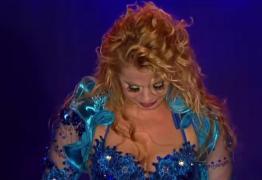 """Vídeo – Joelma chora em show e diz: """"Ser humano é que trai, a lua não trai não"""""""