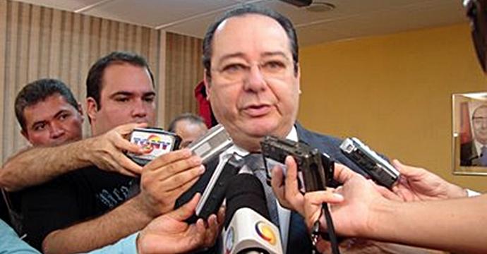Artur Cunha Lima - Tesouro Nacional diz que Tribunal de Contas da Paraíba gasta mais com pessoal do que informa