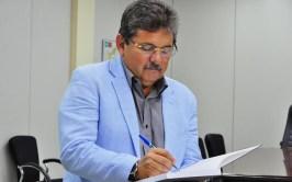 adriano galdino 300x187 - Galdino reúne pré-candidatos a vereador pelo PSB em Campina Grande