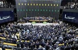 VOCÊ OPINA: Site do Senado realiza enquete sobre PEC que prevê redução no número de deputados e senadores