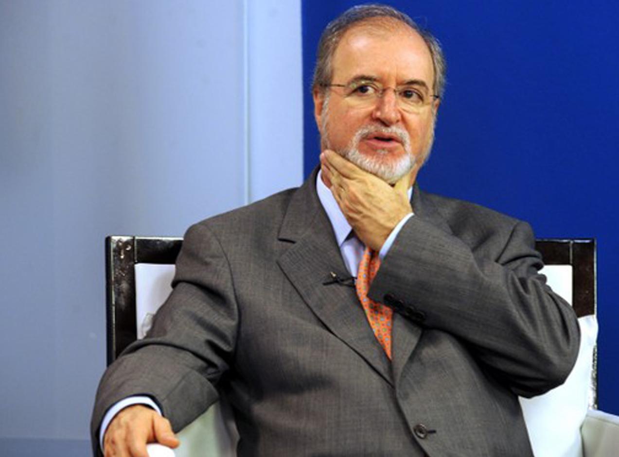 eduardo azeredo - Ex-governador de MG Eduardo Azeredo é considerado foragido, diz Polícia Civil
