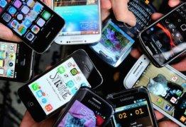 Polícia prende homem em aeroporto com mais de 70 celulares