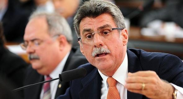 e6c476167090c7b7d3df4b26a2fa1b9d - Impeachment de Dilma não está 'morto', diz senador Jucá