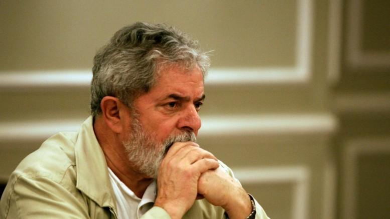 lula preocupado - Advogados de Lula vão denunciar campanha de O Globo à OAB