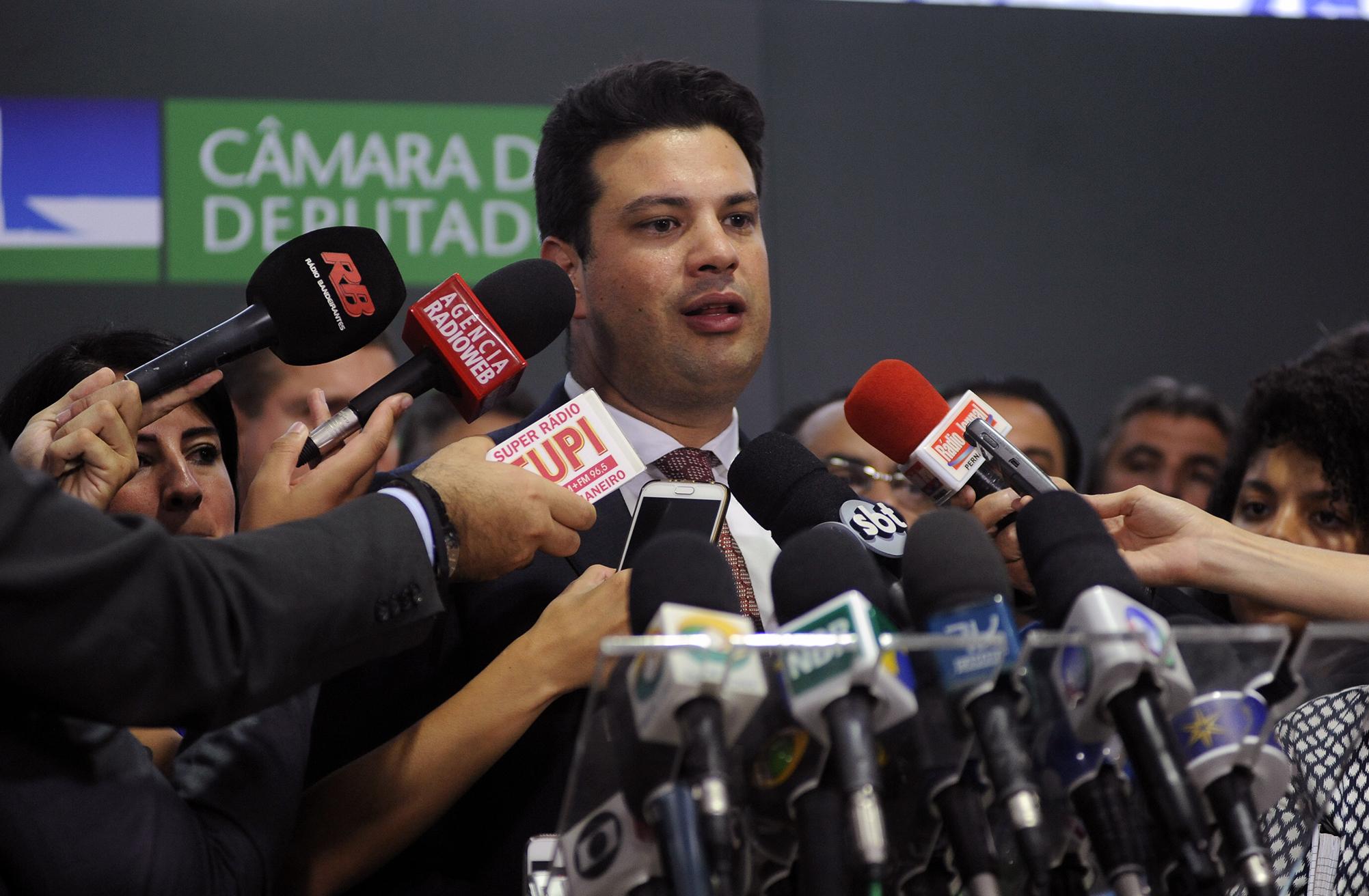 piccianinova - Picciani indica Veneziano Vital para Vice-lider do PMDB em retribuição ao voto, diz Lauro Jardim