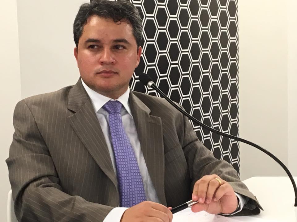 10378967 1053338744722291 3740805689552030490 n - Dep. Efraim Filho diz que Dilma já caiu e que apenas se cumpre os rituais; O Governo é ilegítimo