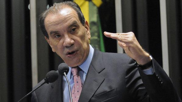 Aloysio Nunes - Senador apresenta PEC que institui parlamentarismo no Brasil