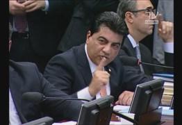 Manoel Júnior chama deputado petista de 'cínico' após ser acusado de vender apoio a Cunha; VEJA VÍDEOS