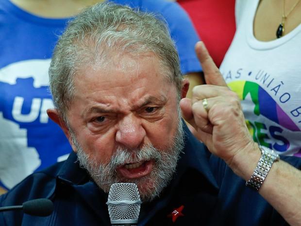 "brazil corruption andre penner ap - O ERRO DE MORO E A IRA DE LULA:  ""E a jararaca está viva, como sempre esteve""  - Por Helio Gurovitz"