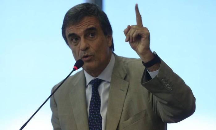 cardozo ministro - Cardozo: 'Se OAB apoiar impeachment, terá de pedir cassação de Aécio'