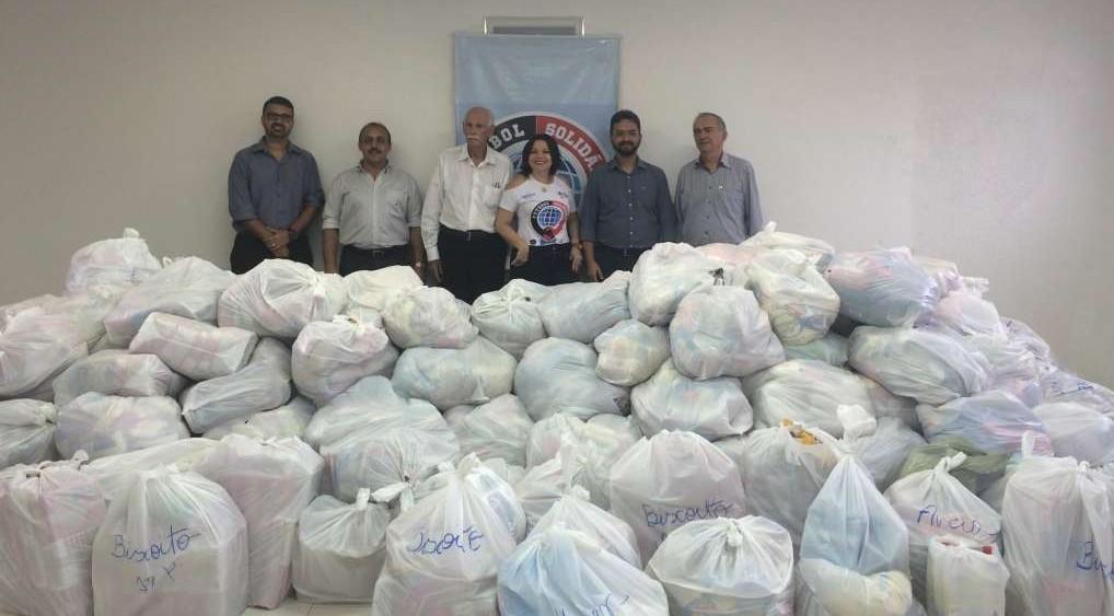 image14 e1458764517399 - Rádio Tabajara entrega doações da campanha Futebol Solidário ao Hospital Padre Zé