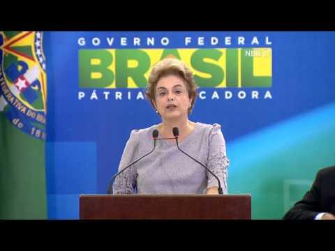 veja video dilma faz pronunciame - Veja acusa Dilma de mudar comando do esporte em troca de votos contra o impeachment