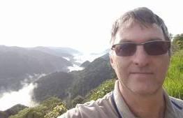 Irmão de Bolsonaro recebe R$ 17 mil por mês sem trabalhar