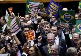 A GUERRA COMEÇOU: Confusão, gritaria e clima tenso marcam início da votação do impeachment