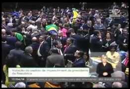 VEJA VÍDEO: Paulinho da Força faz discurso com paródia e chuva de confete na votação do impeachment