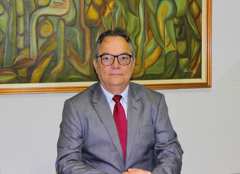 demostenes - Presidente da Unimed JP discute panorama dos planos de saúde com senador Cássio Cunha Lima