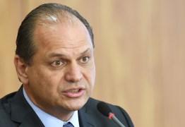 Ministro diz que homens vão menos ao médico porque trabalham mais que as mulheres