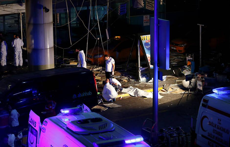 image 6 - Atentado com bombas deixa ao menos 31 mortos no aeroporto de Istambul