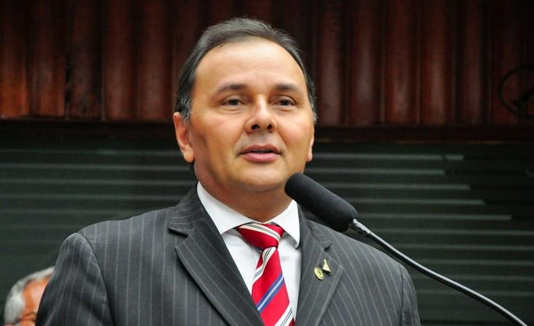 manoel ludgerio - OUTRA VERSÃO: Deputado Manoel Ludgério teria sido hostilizado pela população