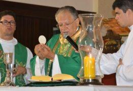 Dom Genival faz 1ª Celebração dominical desde que foi nomeado Administrador Apostólico