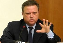 Relator elogia e pede que senadores votem projeto de Lira que endurece pena para uso de arma de fogo em crimes violentos