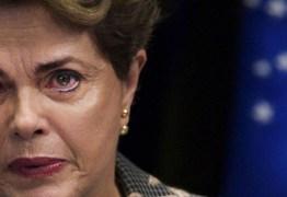 Multidão se despede de Dilma em Brasília: 'Dilma, nunca esqueceremos de você'