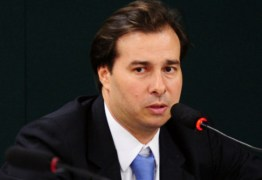 Deputados recorrem ao Supremo para barrar eleição na Câmara e candidatura de Maia