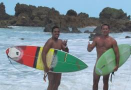 SURF PELADO:  Termina hoje na praia de Tambaba o Open de Surf Naturista – VEJA FOTOS