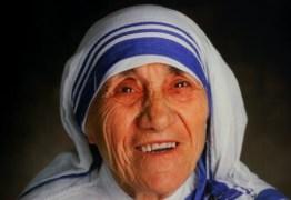 O CÉU GANHA UMA SANTA HOJE: Vaticano canoniza madre Teresa de Calcutá depois de milagre com brasileiro
