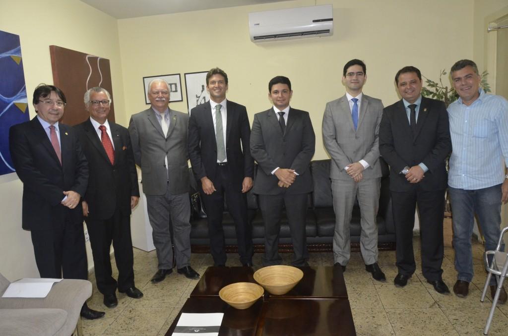 Sessão SoleneDiploma de Honra ao Mérito 19 09 2016 001 1 1024x678 - Mouzalas, Borba e Azevedo  :Escritório de advocacia recebe Diploma de Honra ao Mérito da CMJP
