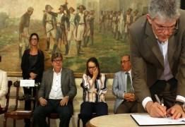 GOVERNO DO ESTADO OFERECE BOLSAS PARA MESTRADO E DOUTORADO PELA FAPESQ